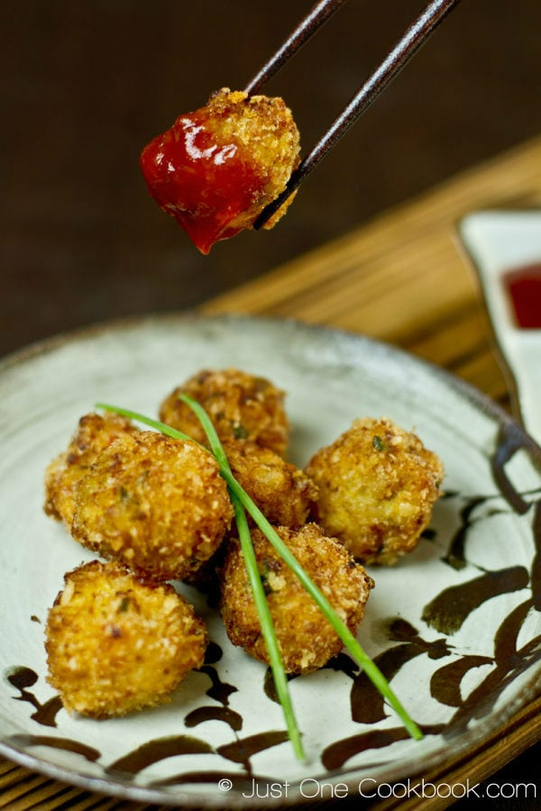 Deep Fried Shrimp Ball | Easy Japanese Recipes at JustOneCookbook.com