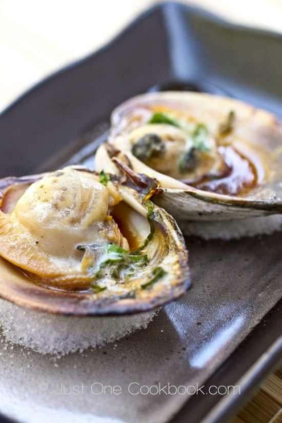 Grilled Little Neck Clams | JustOneCookbook.com