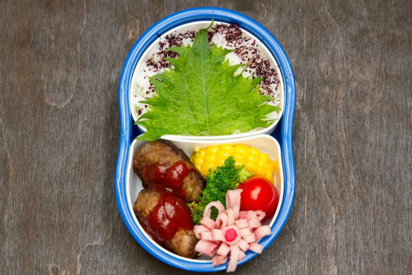 Pack Bento Tightly | Easy Japanese Recipes at JustOneCookbook.com